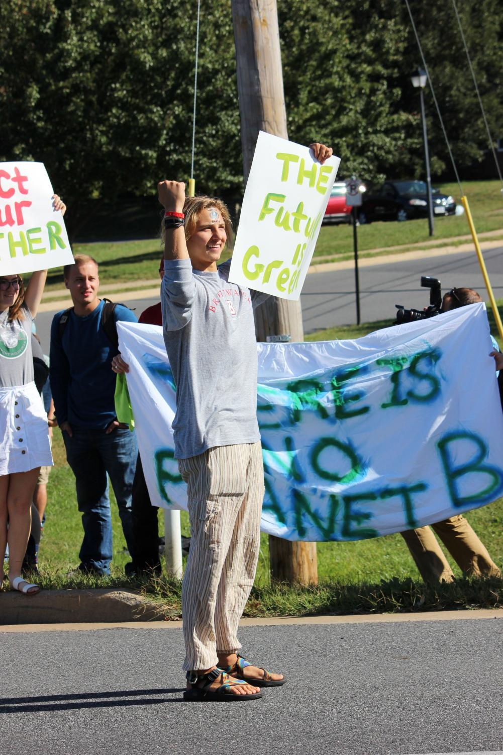 Bridgewater+senior+Hunter+Potts+participated+in+the+strike+because%2C+%E2%80%9CI+went+out+to+strike+because+I+want+to+bring+a+greater+awareness+of+what+climate+change+is%2C+and+how+much+of+a+greater+impact+it+has+on+the+world.%E2%80%9D