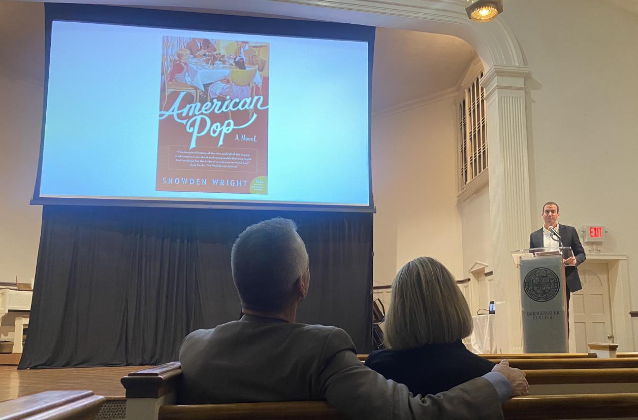 Novelist+Presents+an+Endowed+Lecture
