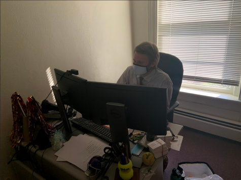 Dayton Carpenter is a 2018 Bridgewater College graduate who was a member of the tennis team. Carpenter recently moved into his new office in Yount Hall after being named Assistant Director of Admissions-Campus Visits.